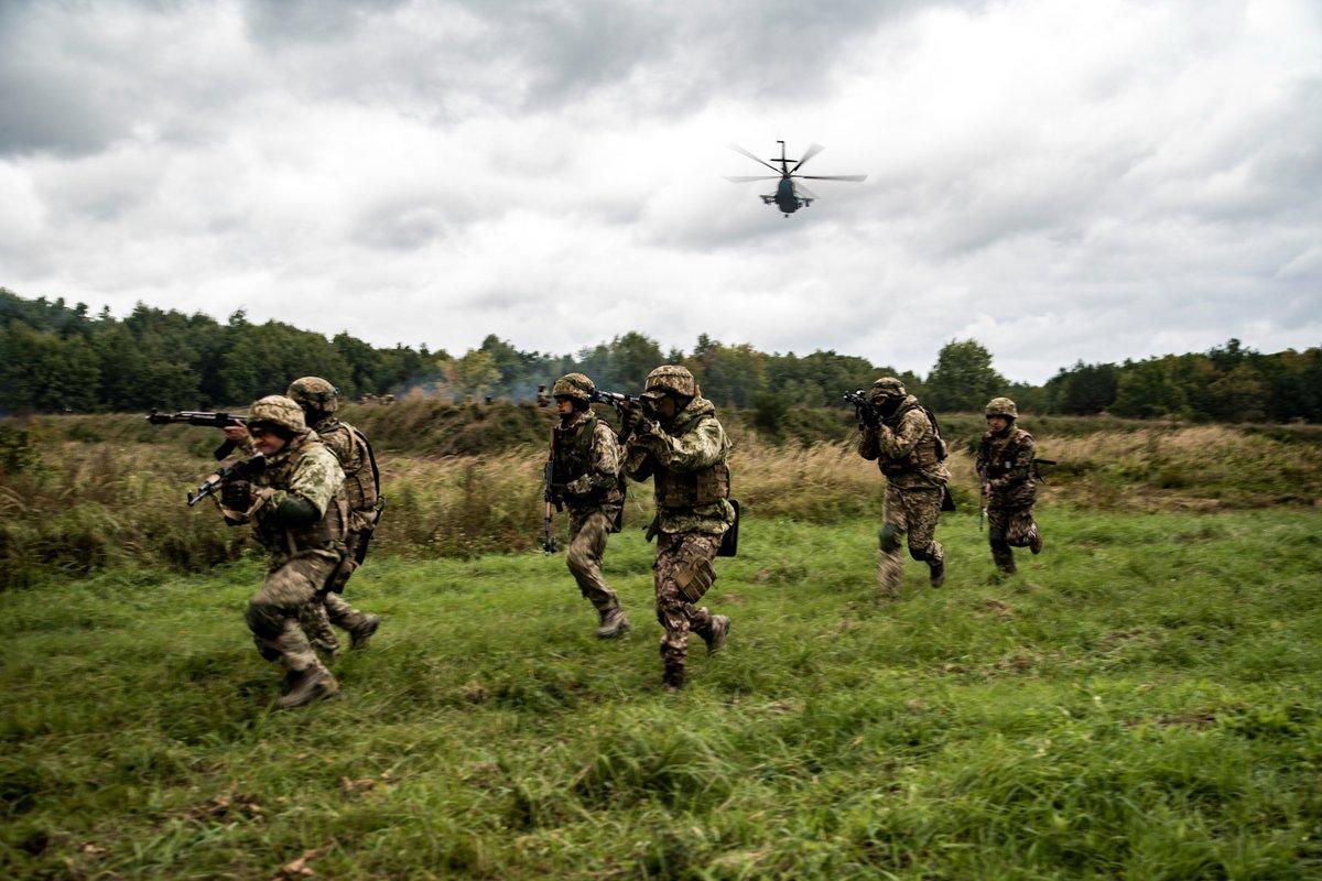 NATO News • Ukrainian & Moldovan Soldiers • Joint Insertion Operations • Rapid Trident 2021