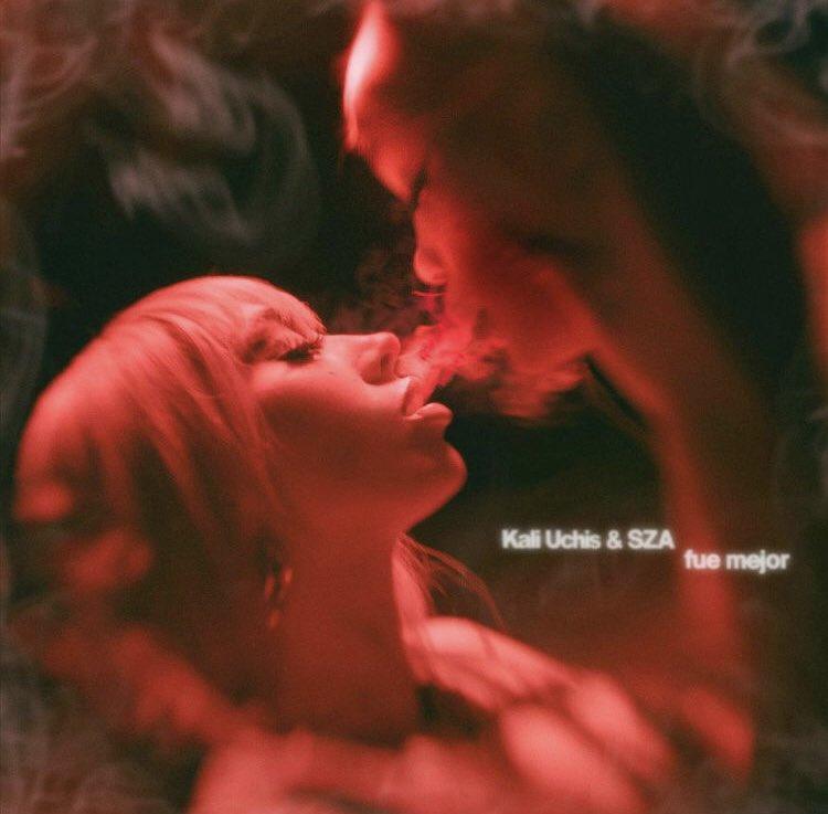 """🚨 LÁ VEM ELAS! Kali Uchis e SZA irão lançar o remix do single """"fue mejor"""" no dia 29 de setembro! https://t.co/3u2WuLqSzc"""