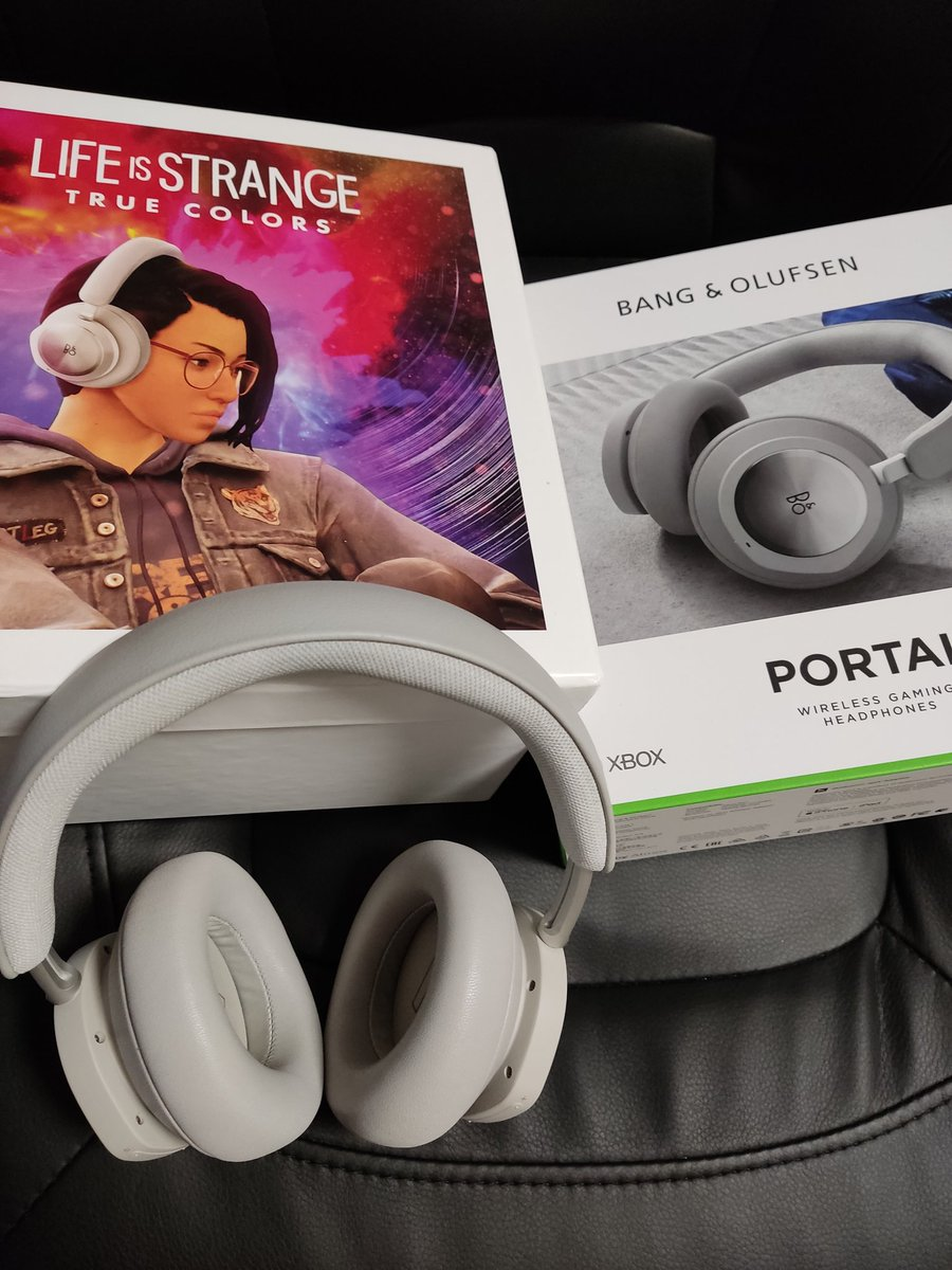 Got these headphones, and playing games with it is a blast ! I can hear lots of details, the bass are powerful, and definition is great. I even listen to music with it and I can hear so much subtle things. Thank you @SquareEnix for these @LifeIsStrange @BangOlufsen 🎵 #sponsored