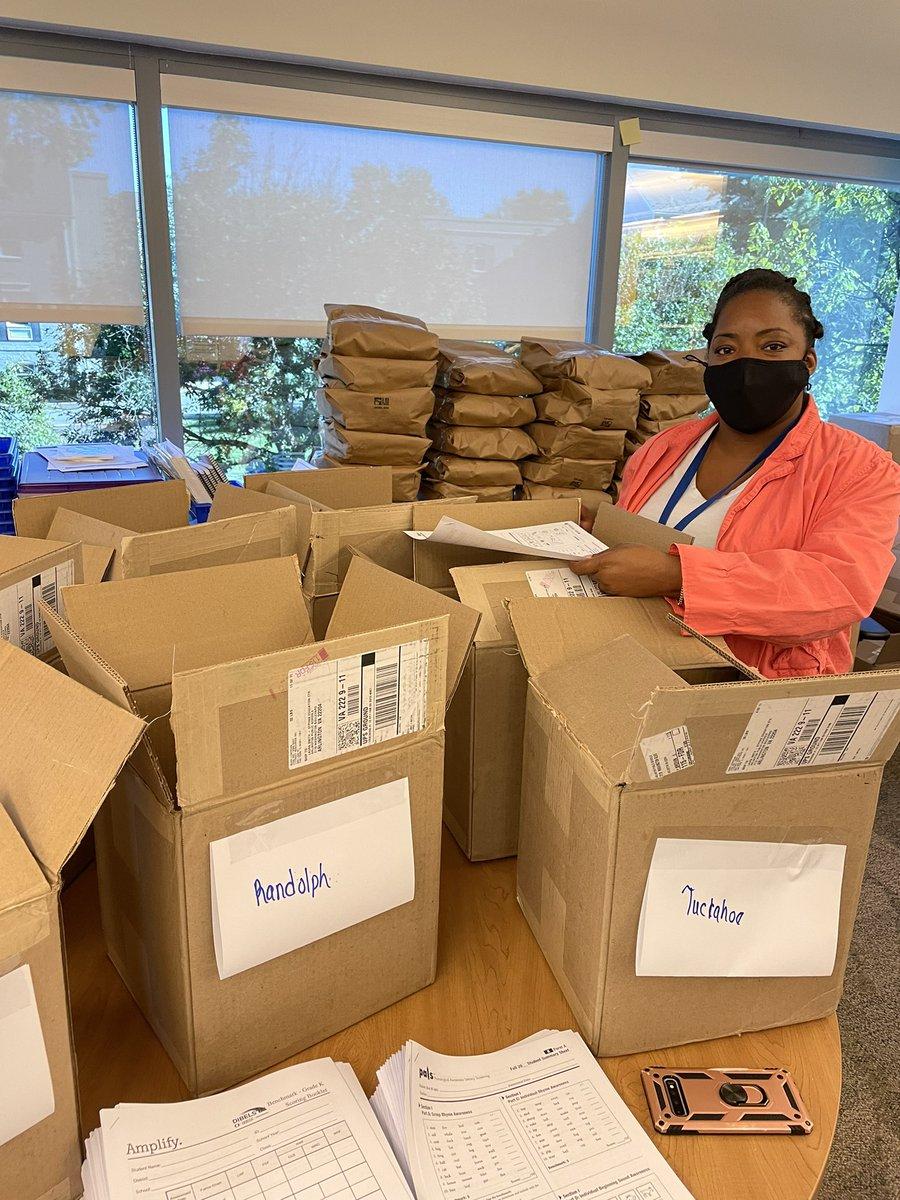 ELA-Büro arbeitet hart daran, Ressourcen an Schulen zu senden! Goldstern für unsere AA Laura!apsisawesome '>apsisawesome? src = hash '> #apssuper https://t.co/54rg9Rm9Og