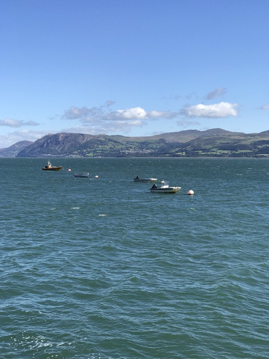 And that's our beautiful village of Llanfairfechan across the Menai Strait below the mountains https://t.co/zHhGsCW1Qk