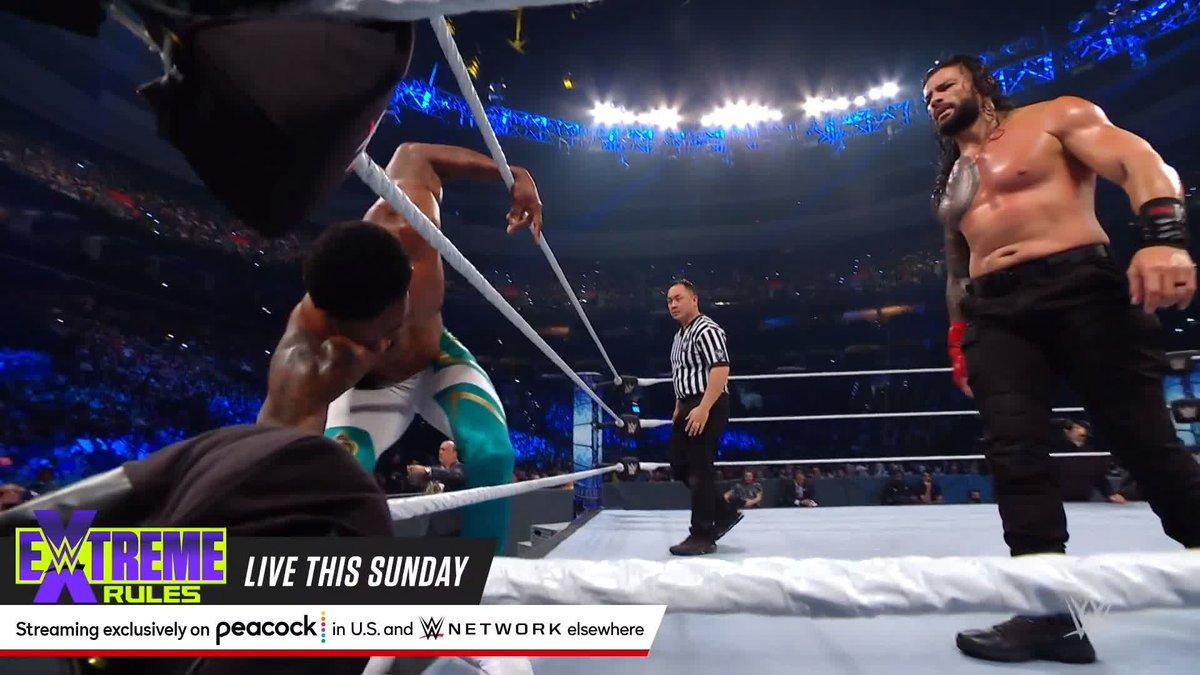 .@MontezFordWWE exerts some incredible strength to slam @WWERomanReigns! 💪 #SmackDown https://t.co/g54DZaiELn