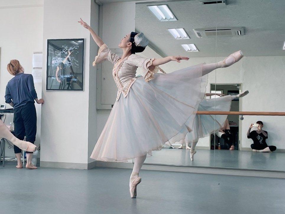 おはようございます☀️本日待ちに待ったスタジオパフォーマンス…💓皆様お気をつけてお越し下さい❣️オンラインの方は画面越しに見守っていてくださいね💻(コメントも待ってます👆)よろしくお願いします🩰✨チケットまだ間に合います👇@mcb_ballet