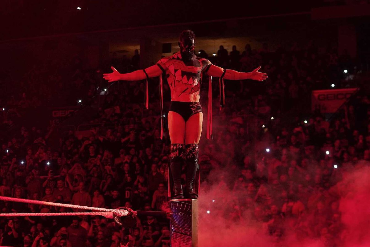 Is it Sunday yet?  #TheDemon #UniversalTitle #ExtremeRules @FinnBalor @WWERomanReigns @HeymanHustle @WWEUsos https://t.co/FlcSqORv9F