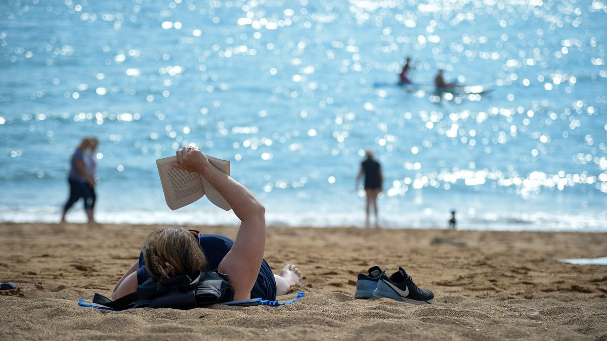 UK to sizzle in 25C mini heatwave this weekend with Brits to enjoy glorious sun mirror.co.uk/news/uk-news/u…
