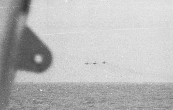 The Yak-38 and the Kiev class cruisers - Page 2 FAIJ1X9VgAoOoFi?format=jpg&name=small