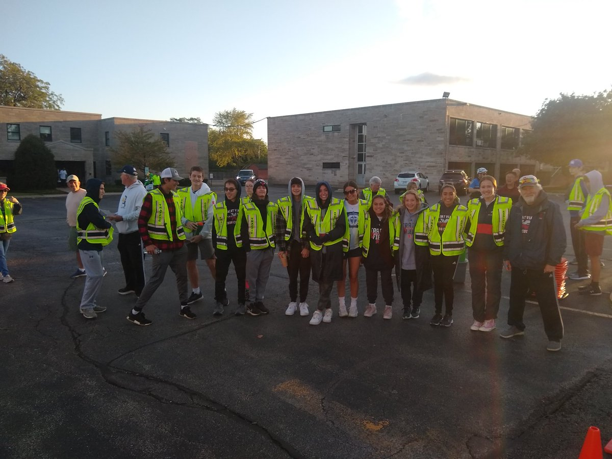 We are thankful for our community partner, SVHS and the boys XC team, who volunteered at our parish fundraising run for St. Vincent de Paul. #servingthecommunitytogether #Catholicservice