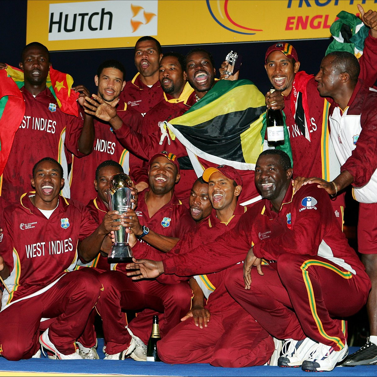 #OnThisDay in 2004 📅  @windiescricket were crowned the winners of the 2004 ICC Champions Trophy 👑  They beat England at The Oval with two wickets in hand 👏 https://t.co/jF2hiVL7n0