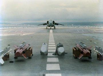 The Yak-38 and the Kiev class cruisers - Page 2 FAJ9CTQVUAMDEiR?format=jpg&name=360x360