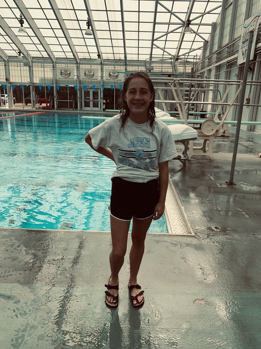 6th place out of 11 female divers at the Grissom Invitational meet!! 147.85 points. Great improvement from the last meet!! The sky's the limit!! Ready to work & keep improving for Monday's meet!!! 🤍✈️💙@JCHSSwimDive @JETSAthletics  #gojets #jchsswimanddive #diving https://t.co/w8zQXDY6yz
