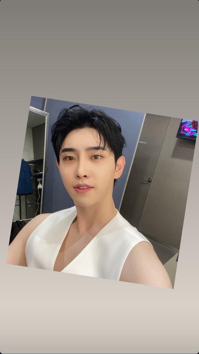210925~ #Hyunho Instagram story 🐥  #moneymoneymoney #ParkHyunho #돈돈돈  #박현호