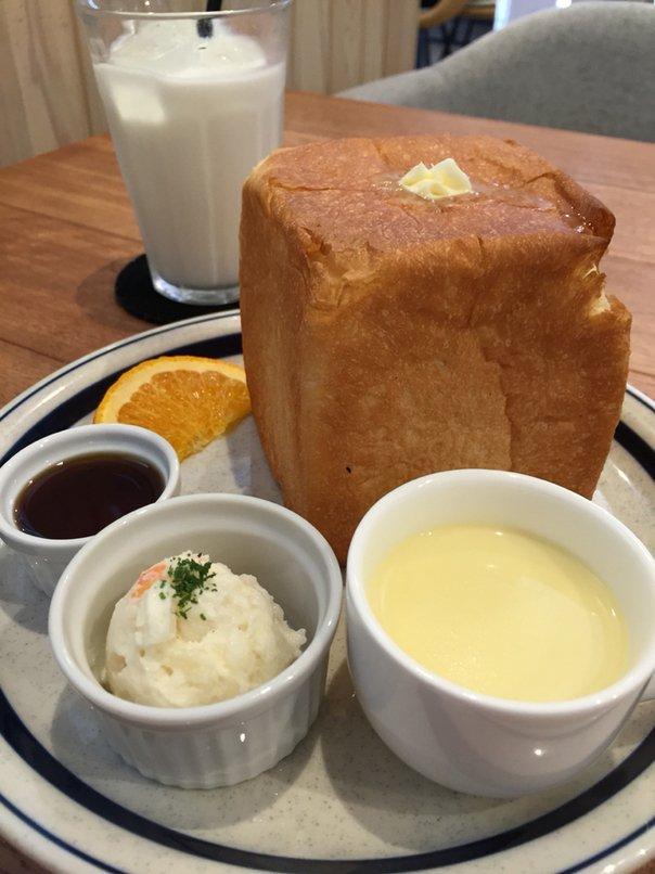 朝から大行列の先にあるのはサイコロ状の食パン1斤サイコロトーストのビックリモーニング!(愛知県一宮市開明教池)  #tabelog
