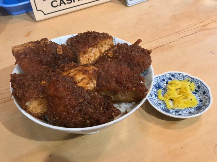 トンカツ界の茶色い風雲児と白いご飯が合体した名古屋名物味噌かつ丼はこちらのお店で誕生した!(愛知県名古屋市中区栄)  #tabelog