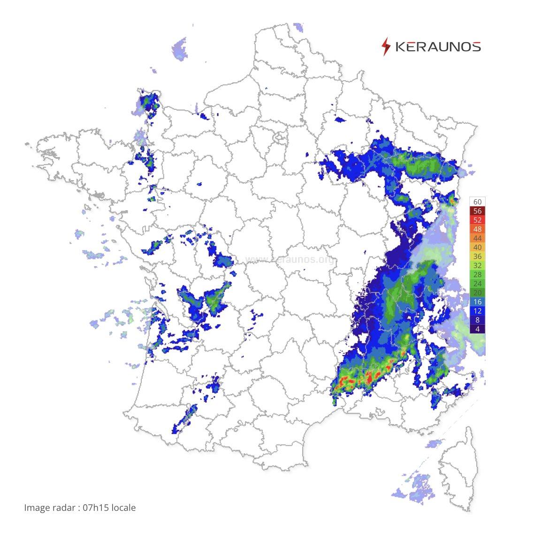 #Orages quasi stationnaires actuellement entre le #Gard, le #Vaucluse et la #Drôme ! Des #inondations sont en cours localement dans le sud du #Gard. Près de 50mm de précipitations relevées en 1h dans le nord du département. ->