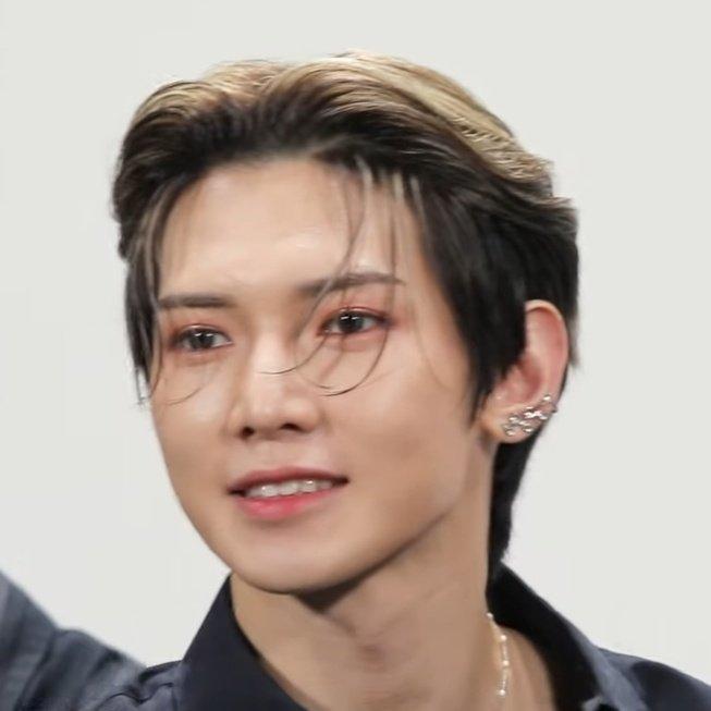 his eyes glisten like stars #여상