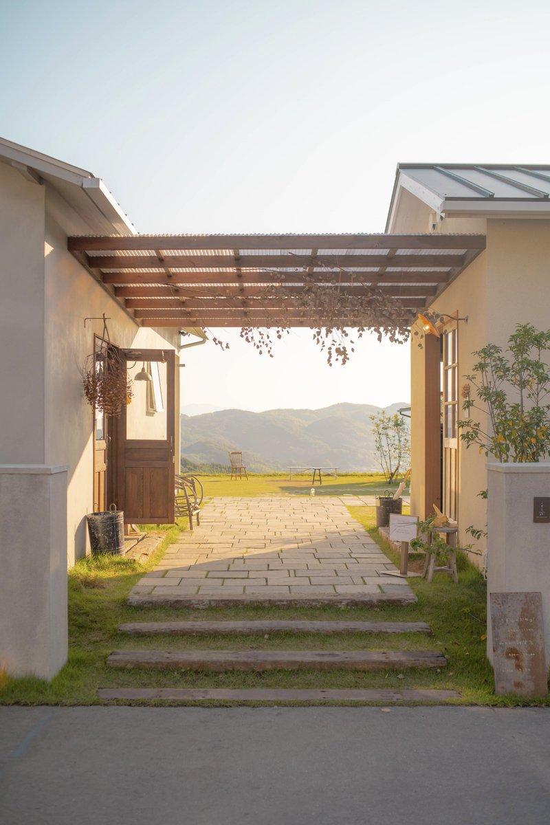 【お知らせ】旅する喫茶の出張開店を兵庫県淡路島「こぞら荘」にて開店いたします。今回は完全予約制になり、チケットは明日12:00から販売です。日程10/20,21 12:00-18:00皆さま、お誘い合わせの上どうぞお越しください。お会いできること楽しみにしています。