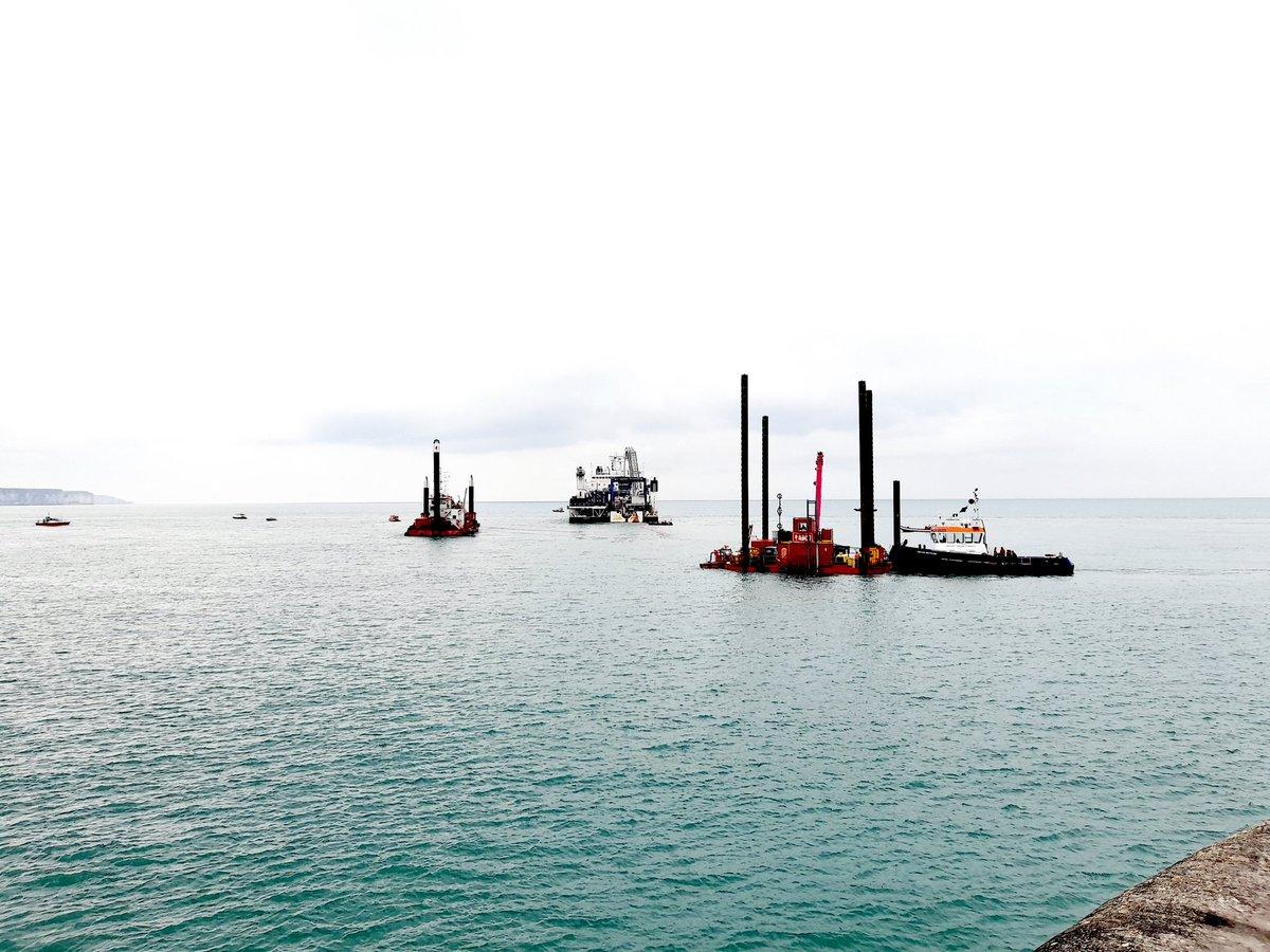 #EolienEnMerFecamp ⚡️⚡️Les travaux de raccordement se poursuivent désormais en mer. Une étape importante supplémentaire dans l'avancée de la construction du parc au large de #Fecamp 🌊🌬️ #offshorewind @RTE_idfn
