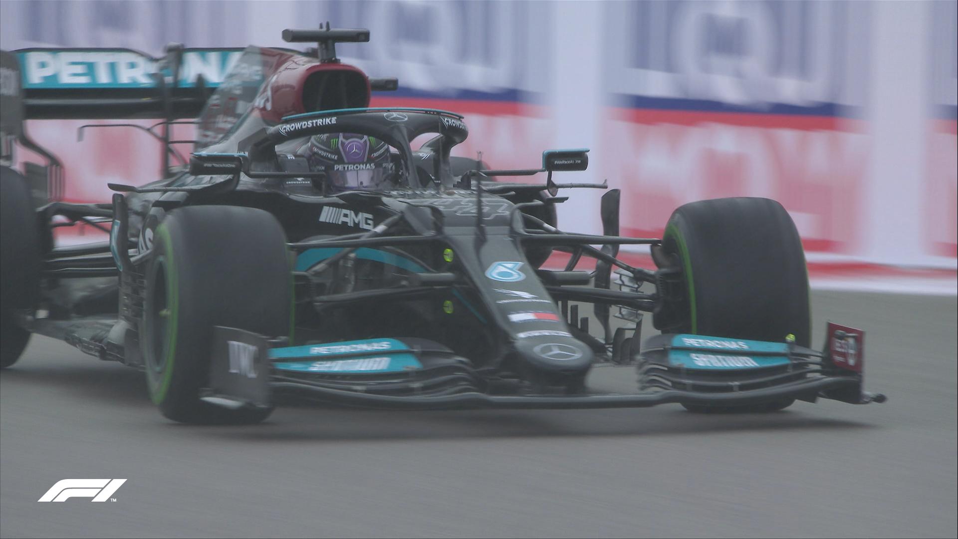 Lewis Hamilton jadący po zwycięstwo