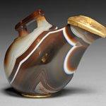 Image for the Tweet beginning: Hellenistic 'askos' jug made of