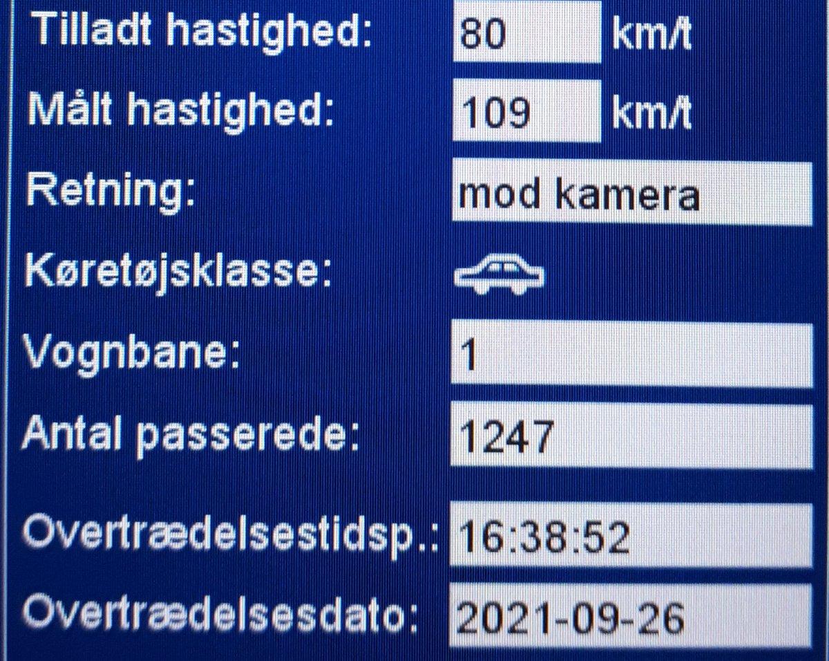 ATK har besøgt vores faste fokusstrækning Esbjergvej i Vejen kommune, de fleste af de ca 1200 passerede køretøjer tog den med ro denne søndag. Men 10 bilister får en hilsen i E-boks, den hurtigste kørte 109km/t i 80zone, det udløser også et klip. Vi kommer igen #atkdk #politidk https://t.co/CjHxlaosgx