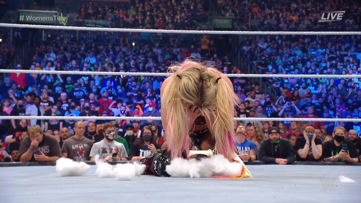 RT @WWE: 💔💔💔  #ExtremeRules @AlexaBliss_WWE https://t.co/fXLgCrWEmV