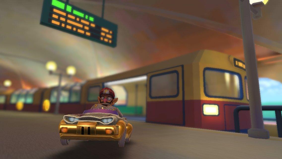 test ツイッターメディア - 電車内を走るワルイージ🚃💨 #マリオカートツアー #マリカツショット #ベルリンシュトラーセ2 https://t.co/wrVQl89txm