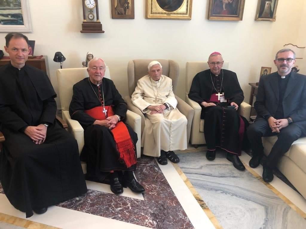 A new sighting of the Antipope Emeritus, Benedict XVI.