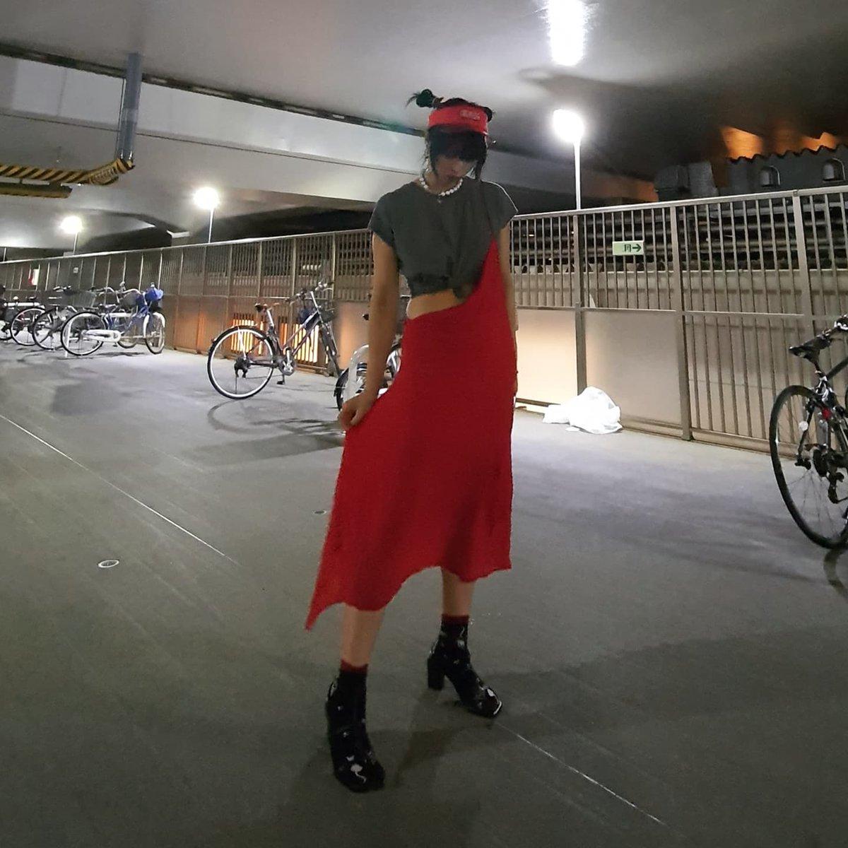 I love red especially in Yohjis ❤️  #ootd #yohjiyamamoto #openthedoor #alternativegirl #alternativestyle #jfashion https://t.co/9wzWNb932r