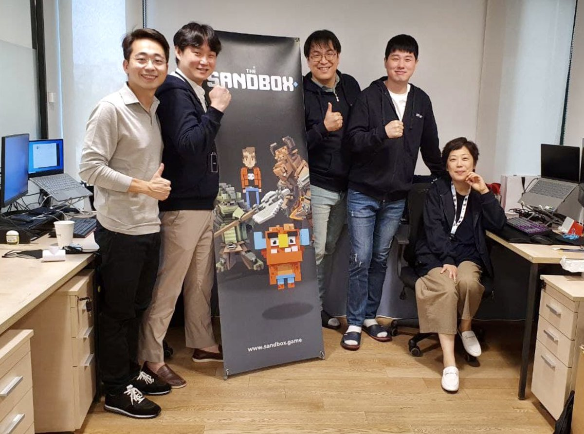 A quick pic of @TheSandboxGame Korea team! 3 new members joined today! All senior level in the Korean gaming industry! 🇰🇷 They are here to join the vision of decentralized gaming #metaverse and make it BIG in Korea! $SAND $LAND