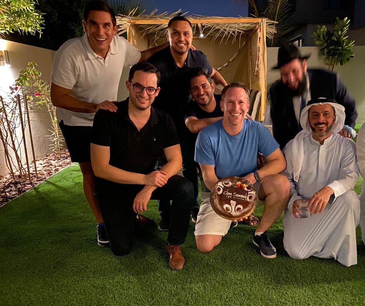 """""""عرش السلام"""" – بمناسبة عيد المظلة اليهودي أقيم في الليلة الماضية في دبي عشاء ولقاء ثقافي شارك به…"""