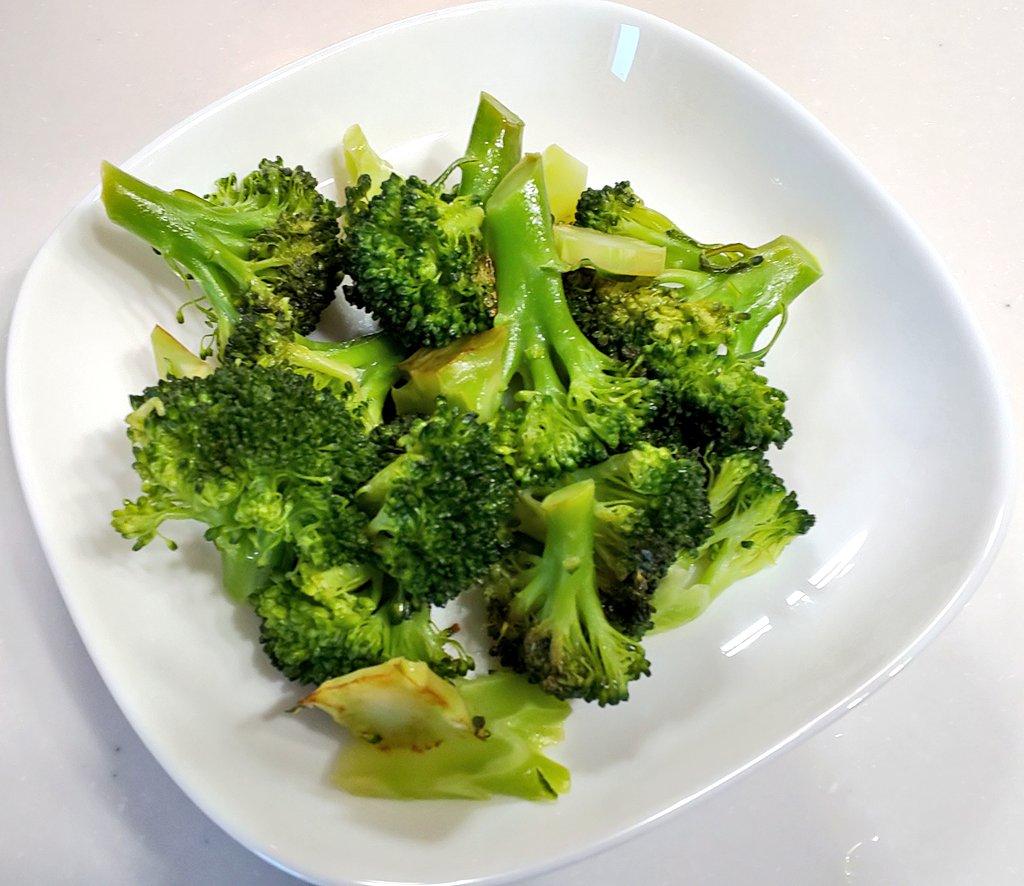 凄く簡単でお手軽!めちゃくちゃ美味しいという、ブロッコリーの食べ方!