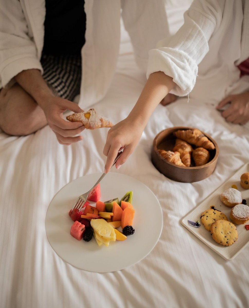 Everyone agrees that breakfast in the bed is the best way to wake up. #EatWell 📷 eleonoraproietti on IG 📍 The Westin Palace, Milan