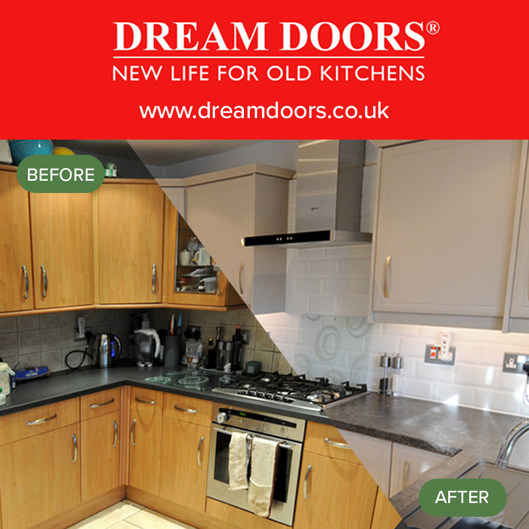 Some under-cupboard lighting and new white cupboards made for a big transformation in this kitchen! ❤️   Use our kitchen designer tool to visualise how your 'after' kitchen could look today!  👉🏼 dreamdoors.co.uk/kitchen-design…  #KitchenDesign #KitchenMakeovers #KitchenInspiration