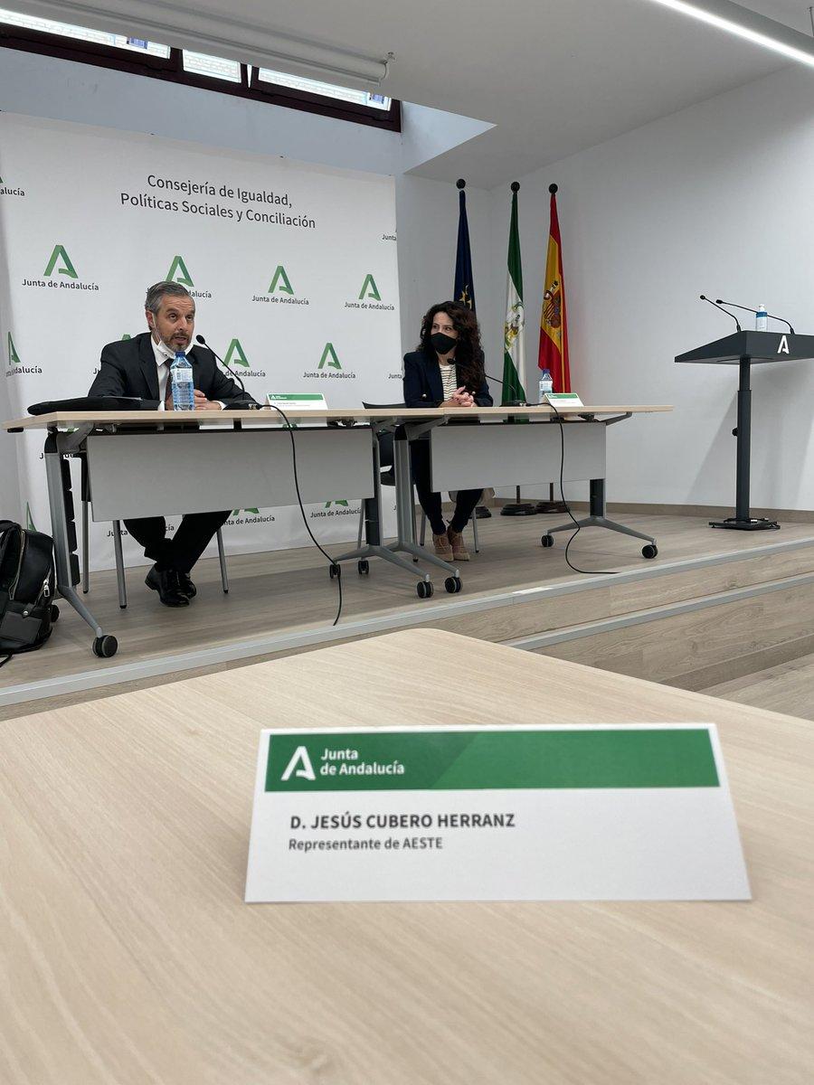 test Twitter Media - Reunido con los Consejeros @RocioRuizDom y @juanBravoBaena @HaciendAND para mejorar la financiación de la #dependencia en #Andalucía  @AESTE_oficial @JuanMa_Moreno Necesitamos el apoyo de la Junta para garantizar la viabilidad de la atención a las #personasmayores 👨🏼🦳👩🏼🦳😷 https://t.co/b6UyBrVnlZ