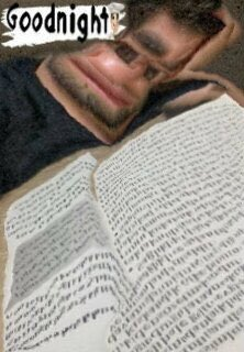 pov: hamza sana kitap okuyor