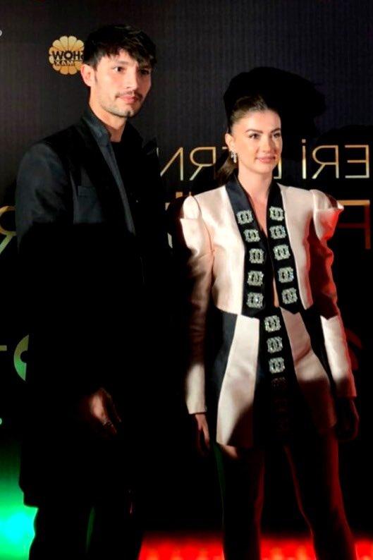 #AşkMantıkİntikam dizisi 25. MGD ödül töreninde en iyi dizi seçildi.