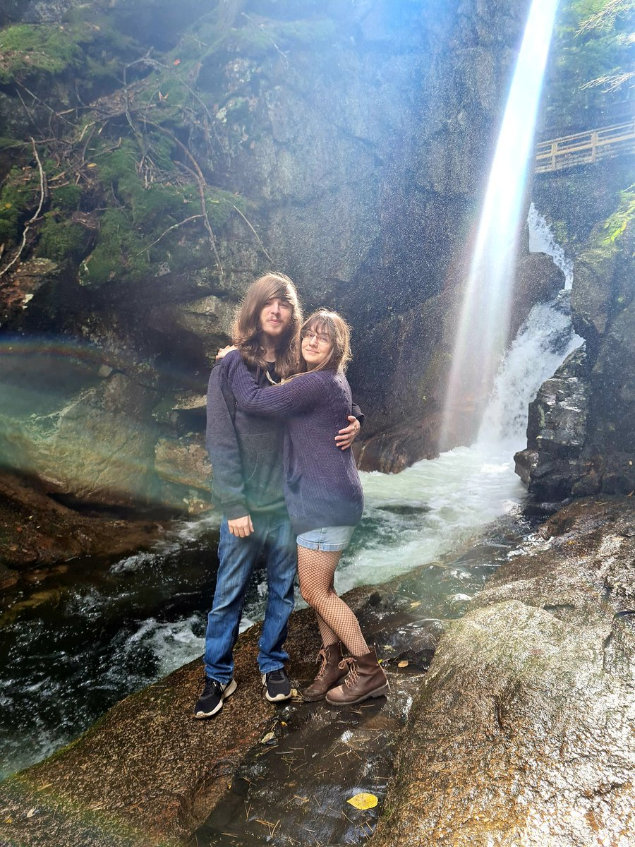 Our hu-sister and her boyfriend! The sun shone as if it were an extra waterfall and you can see a faint #rainbow to the left😊 #nature