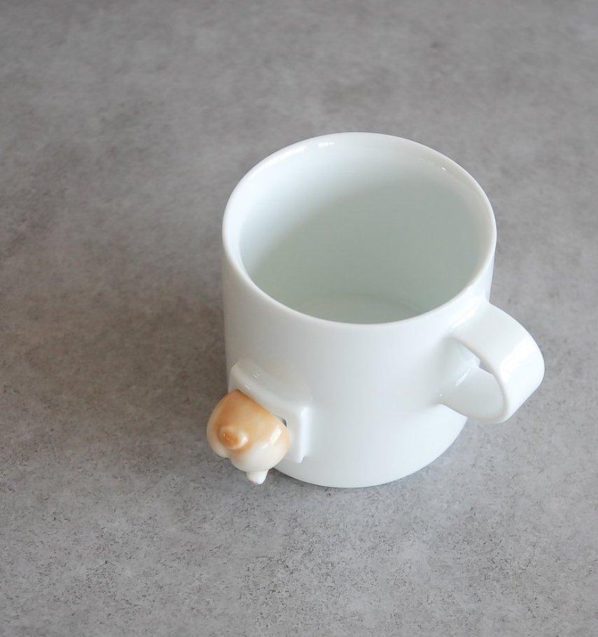 癒され度MAX!コーギーのお尻が付いたマグカップが可愛すぎる!