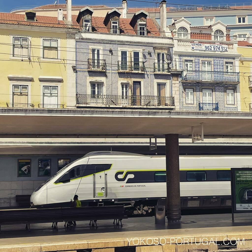 test ツイッターメディア - リスボンとポルトを3時間で結ぶAlfa Pendular。 チケットはオンラインで早割がおすすめです。#ポルトガル #電車 https://t.co/x8QeEBe1w0
