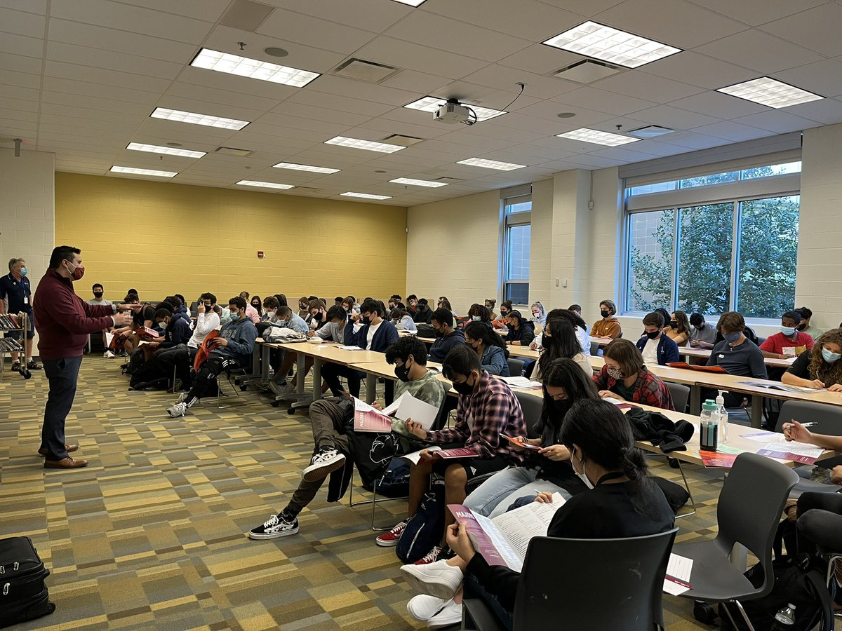 Great job <a target='_blank' href='http://twitter.com/mariocruz'>@mariocruz</a> sharing admissions info re <a target='_blank' href='http://twitter.com/virginia_tech'>@virginia_tech</a>! Wakefield filled the room to learn more about applying to VT. <a target='_blank' href='http://twitter.com/JuanMoreHokie'>@JuanMoreHokie</a> <a target='_blank' href='http://twitter.com/principalWHS'>@principalWHS</a> <a target='_blank' href='http://twitter.com/APSVaSchoolBd'>@APSVaSchoolBd</a> <a target='_blank' href='http://twitter.com/APS_SecondaryEd'>@APS_SecondaryEd</a> <a target='_blank' href='http://twitter.com/WakeAthletics'>@WakeAthletics</a> <a target='_blank' href='http://twitter.com/wakefieldptsa'>@wakefieldptsa</a> <a target='_blank' href='https://t.co/bYkjK3wVlV'>https://t.co/bYkjK3wVlV</a>
