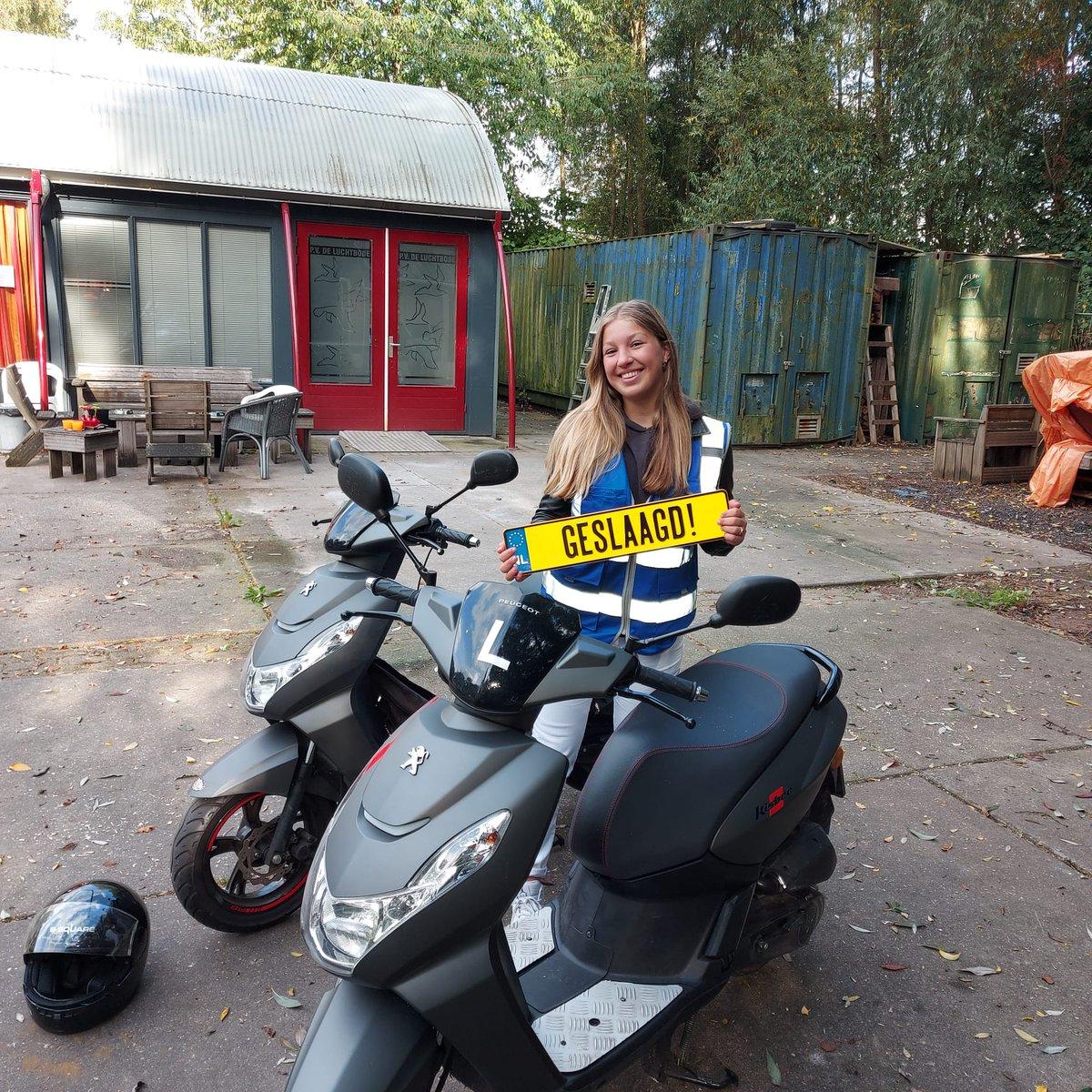 test Twitter Media - Anouk Laarman gefeliciteerd met het in 1x behalen van je scooterrijbewijs #AM2 https://t.co/GqA3Bm9pes