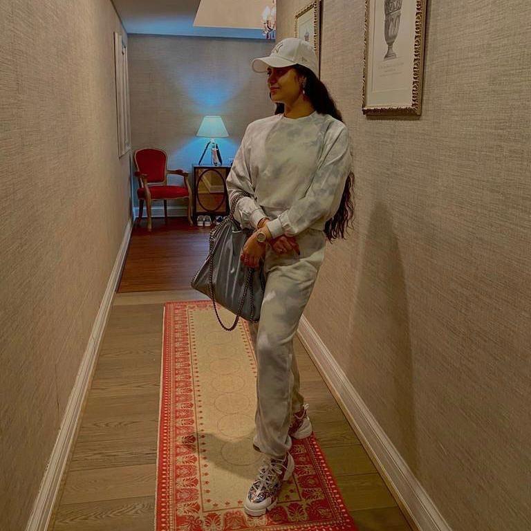 @ZanaiBhosle wraps up her Dubai tour with a swag 😎🤩  #celeb #zanaibhosle #mtown #swag #follow #like #love #instagood #style #followme #instadaily #smile #fashion #bestoftheday #igers #instalike #amazing #girl #likes #look #instacool #instafollow  #beautiful #bhfyp @marathipage3