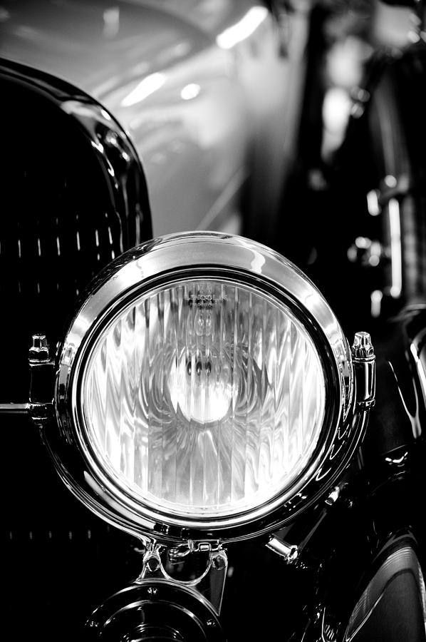 """#POTD for 09-28 """"1925 Lincoln Town Car Headlight""""  #photography #photo"""