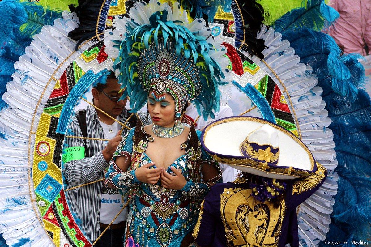 Libre: #Días de #carnaval en la capital de #México #fotomexico  #photography #photographer #fotodeldia #phototheday #fotomexico  #photography #photographer #tradiciones #fotocolor