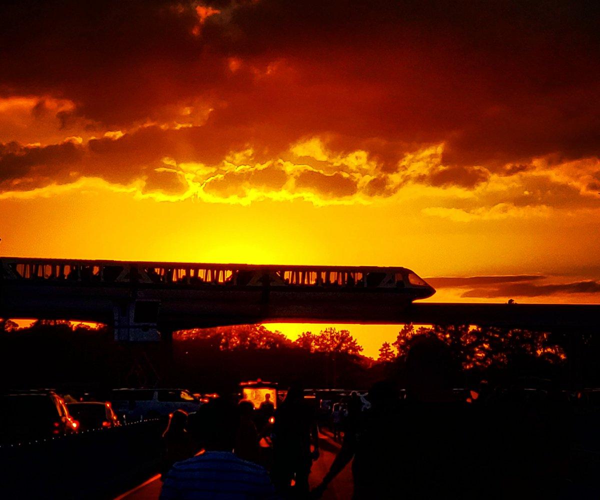 Incredible sunset at the TTC on Friday night. 💛🧡♥🚝 #disney #monorail #disneyworld50 #waltdisneyworld #sunset