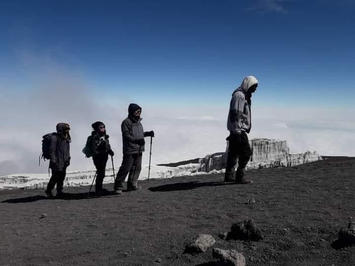 Have already climbed Kilimanjaro? Which route you chose and why? Comments below...👇  #travel #backpacking #wanderlust #getaway #hike #landscape #mountain #climb #adventure #soloclimb #groupclimb #safari #summit #instagram #nature #africa #kilimanjaro #serengeti #ngorongoro