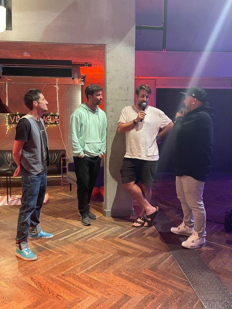 Das Comeback der Backstreet Boys ist wohl die größte von vielen Sensationen auf der #VcA15 Birthday Bash Party!  Jetzt live auf Twitch! https://t.co/gKEkYWX0Z6