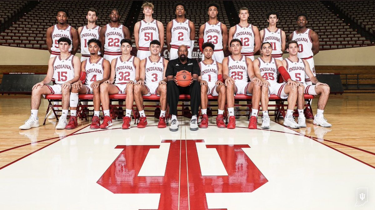 @VHSPanthers alum Shaan Burke pictured with his 2021/2022 @IndianaMBB teammates. Shaan is a 2021 graduate of Vista High were he excelled in the classroom as well as on the court. Among the honors he collected here in his time at Vista were two Student of the Year awards  #FAMILY