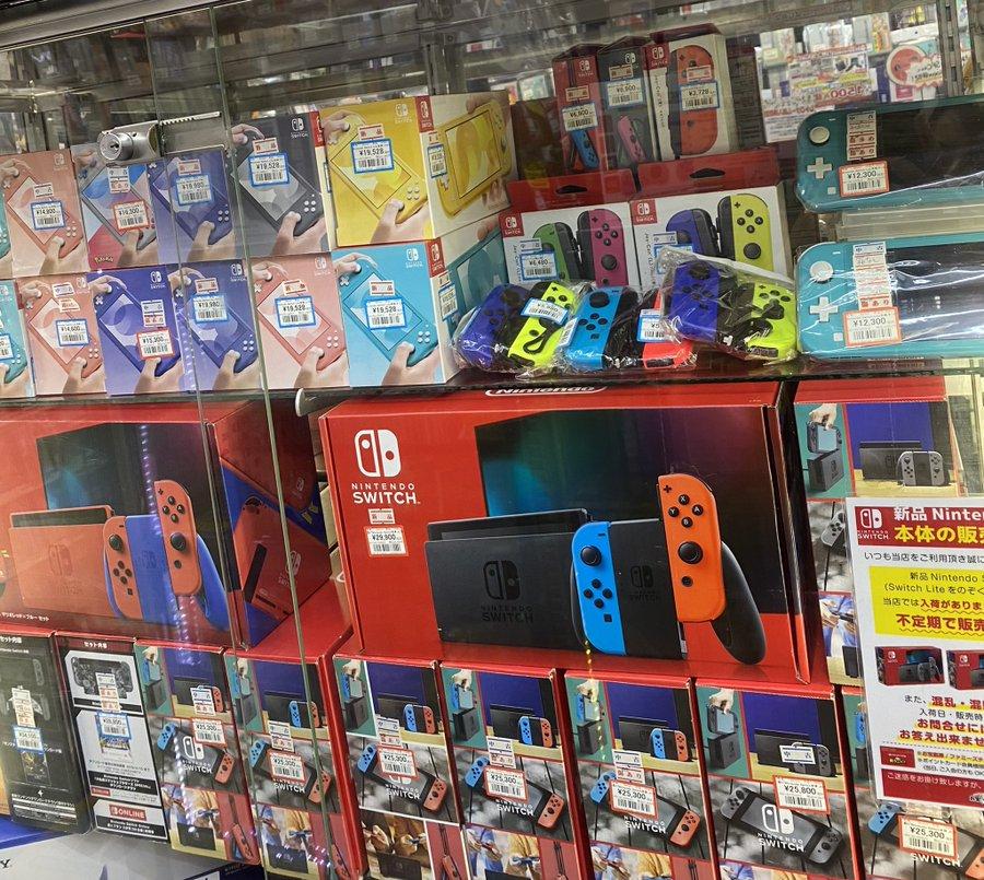中古Switch本体各種、在庫ございます!