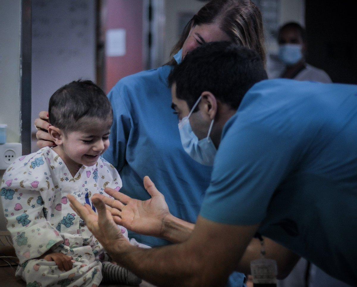 حمزة، طفل فلسطيني يبلغ من العمر عامين من رام الله يعاني من مرض خلقي في القلب،